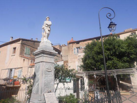 statue belgodère