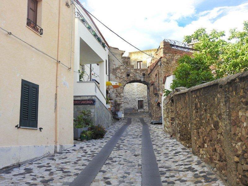 rue de posada en sardaigne