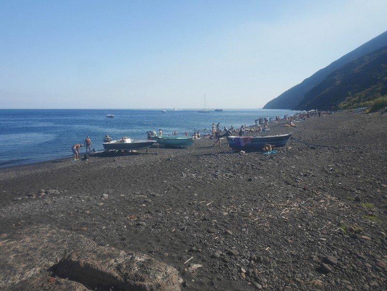 plage de l'île stromboli