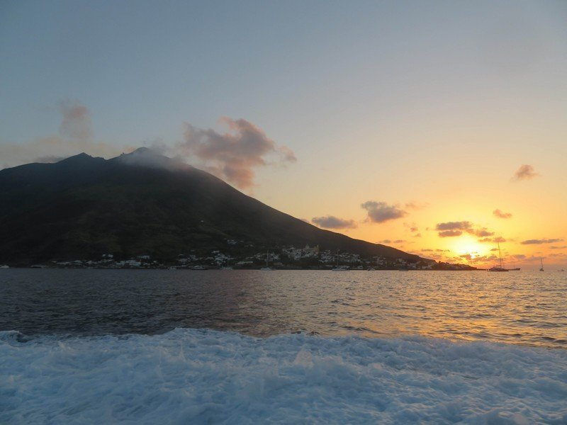 coucher de soleil iles eoliennes