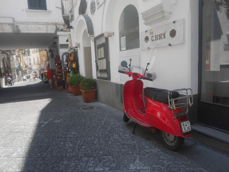 scooter italien rouge