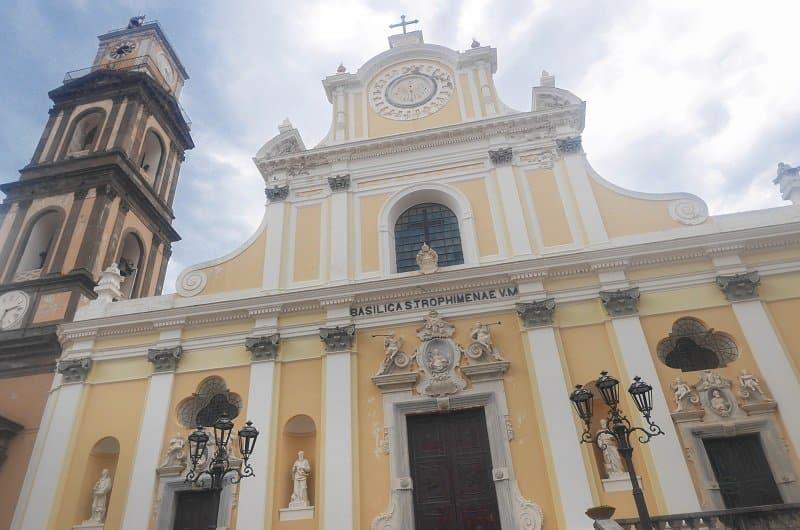 basilique de Santa Trofimena minori