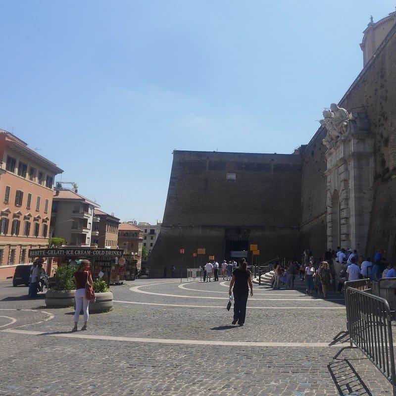 Via del Vaticano entrée vatican