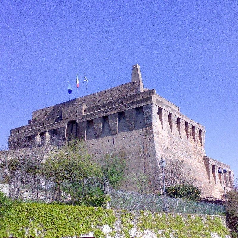 porto Santo Stefano la fortezza