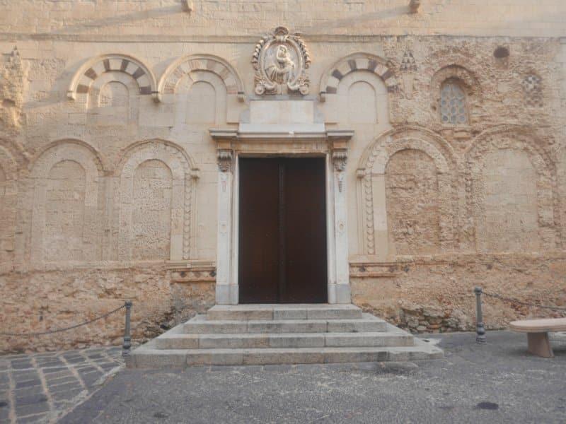 porte cathedrale tropea