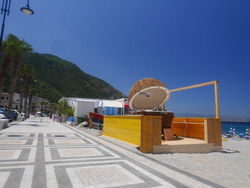 bord de plage scilla