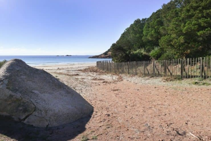 entrée plage de roccapina