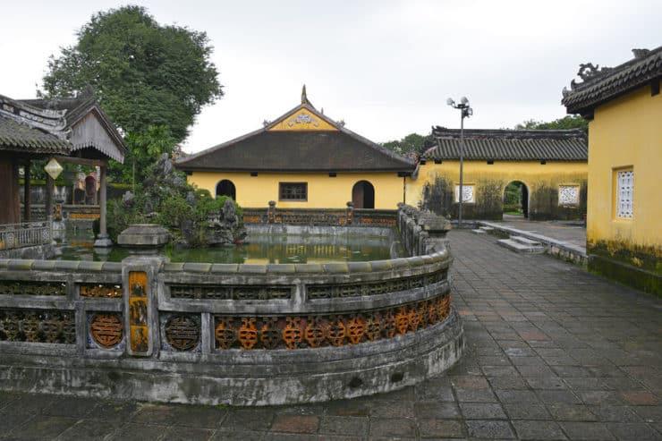 intérieur citadelle de hué