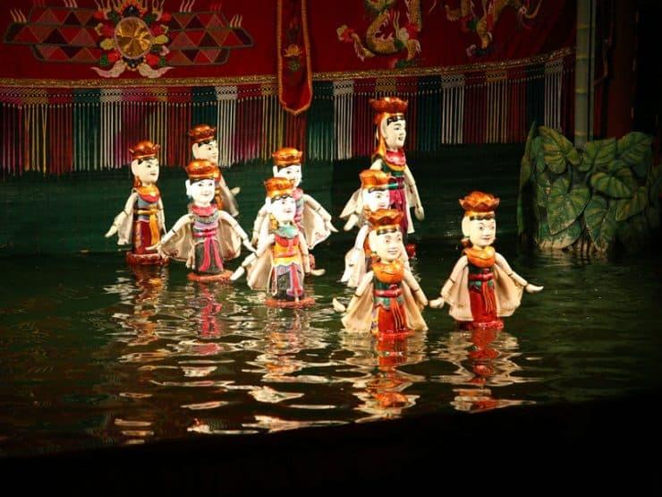 Marionnettes sur l'eau au Vietnam