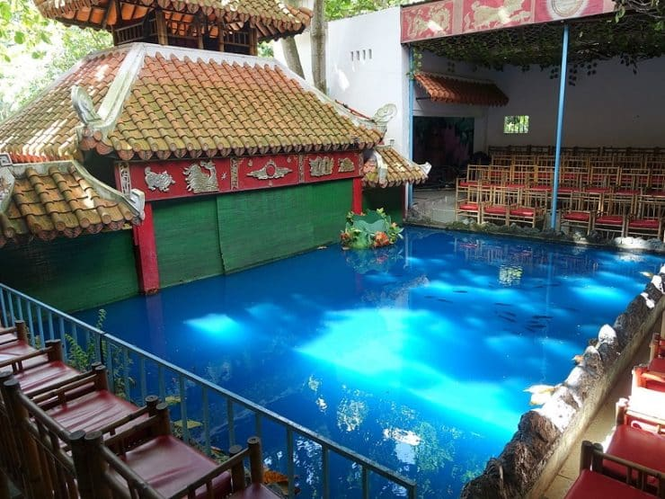 bassin marionnettes d'eau