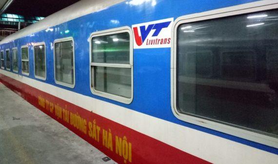 Train Livitrans express de Hanoï à Hué