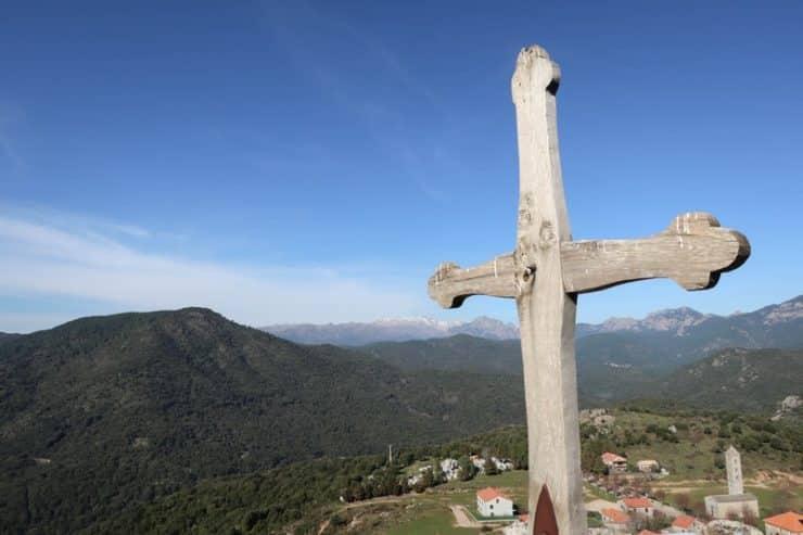 croix colline carbini