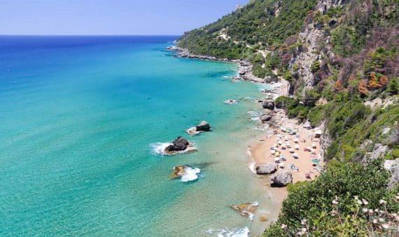 plage de Mirtiotissa