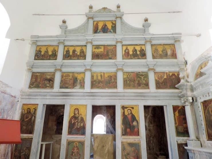 intérieur église Perithia