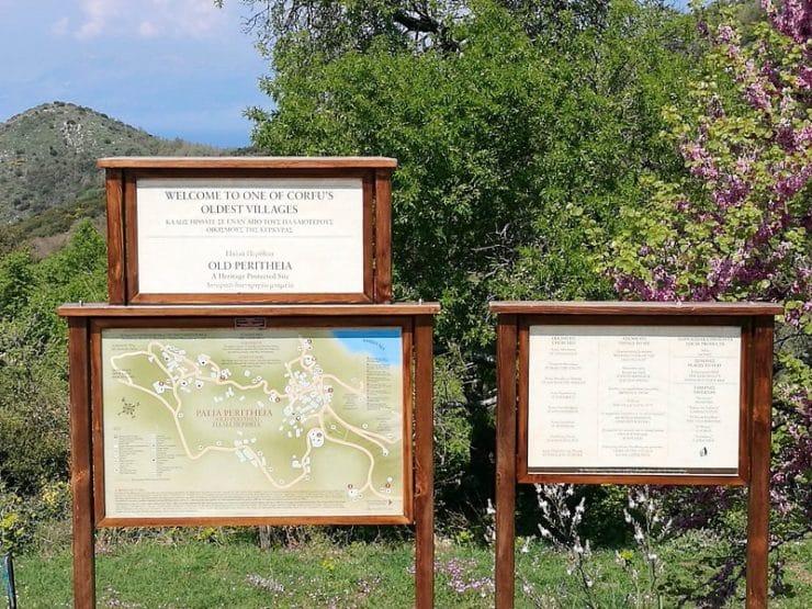 panneaux vieux Perithia