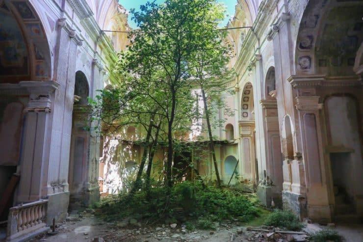 intérieur église saint andré de granaggiolo