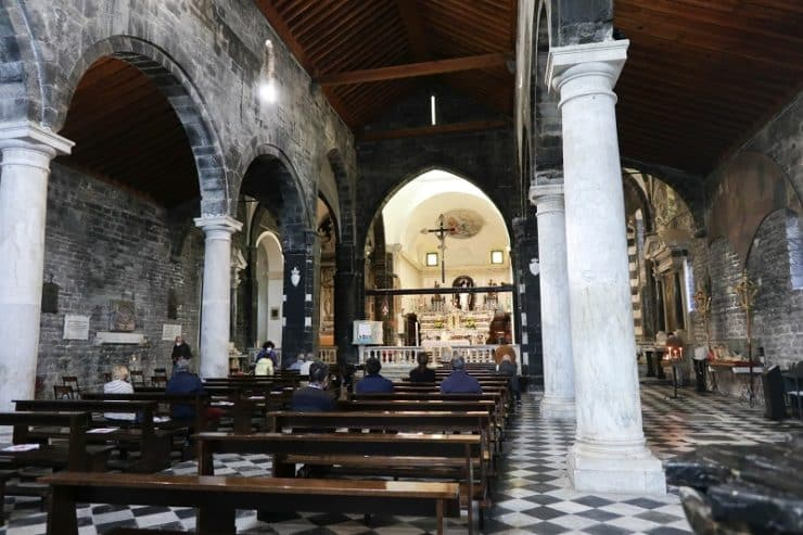 intérieur église san lorenzo