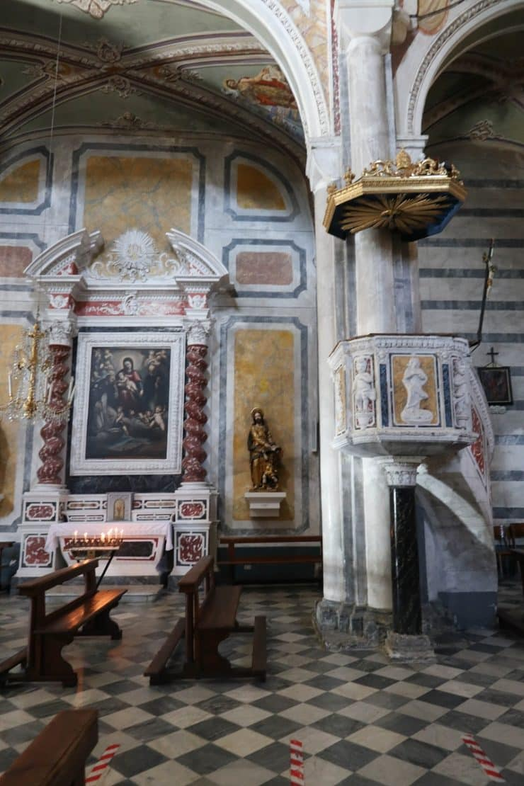 intérieur église san pietro corniglia