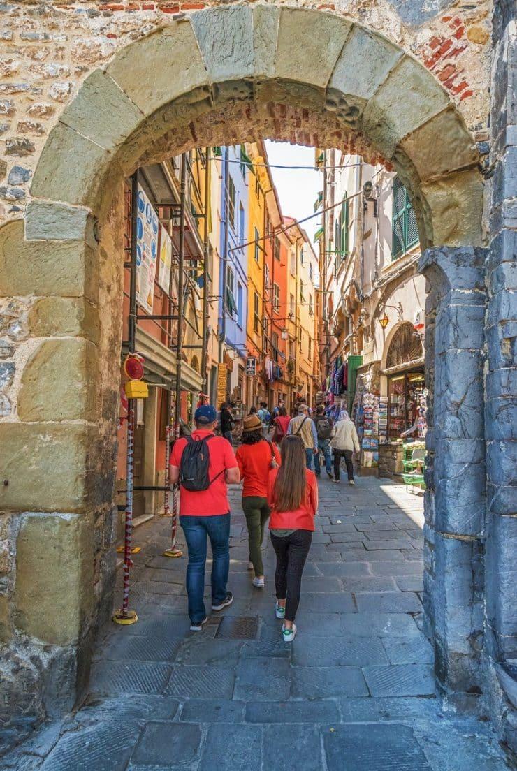 porto venere porta del borgo