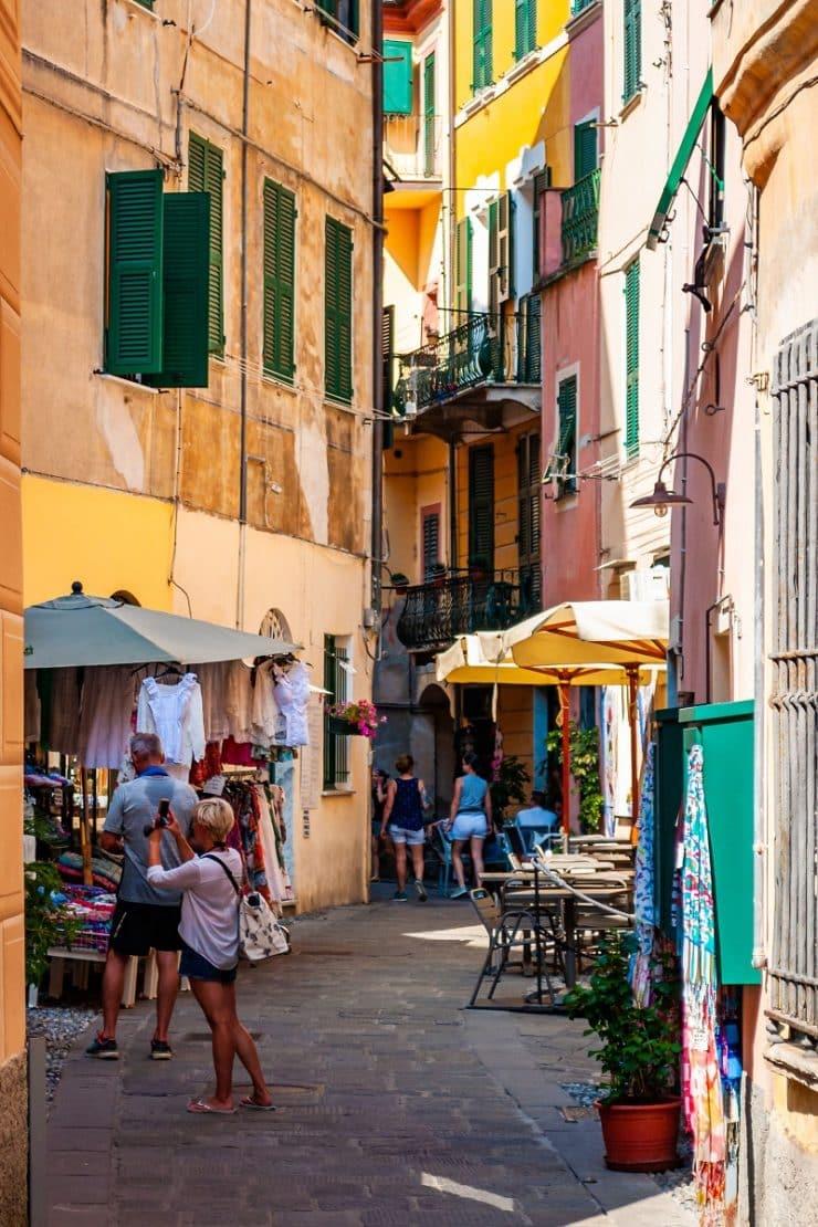ruelle Monterosso al Mare