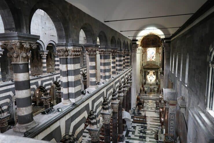 intérieur de la cathedrale de gênes