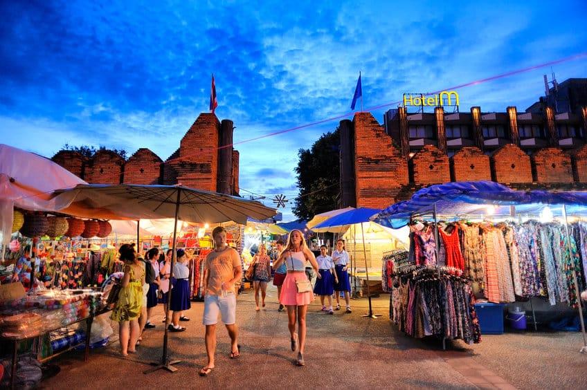marché nocturne chiang mai
