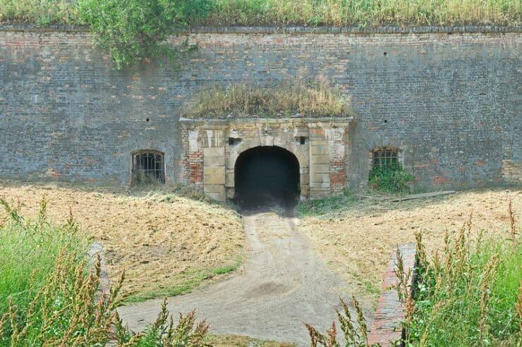Petrovaradin entrée tunnel