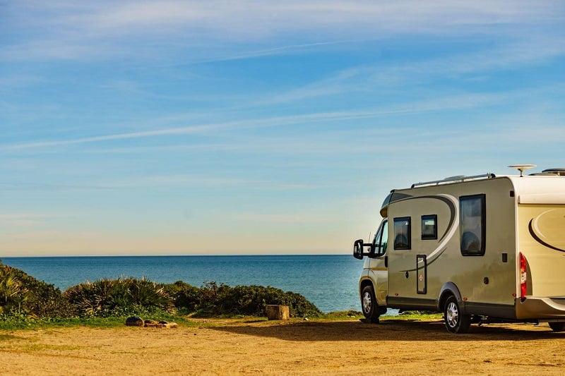 équipements repas camping-car