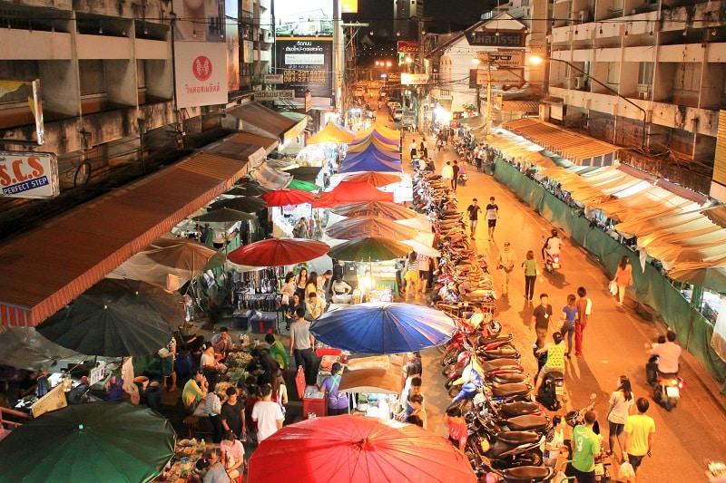 marché nocturne de chiang mai